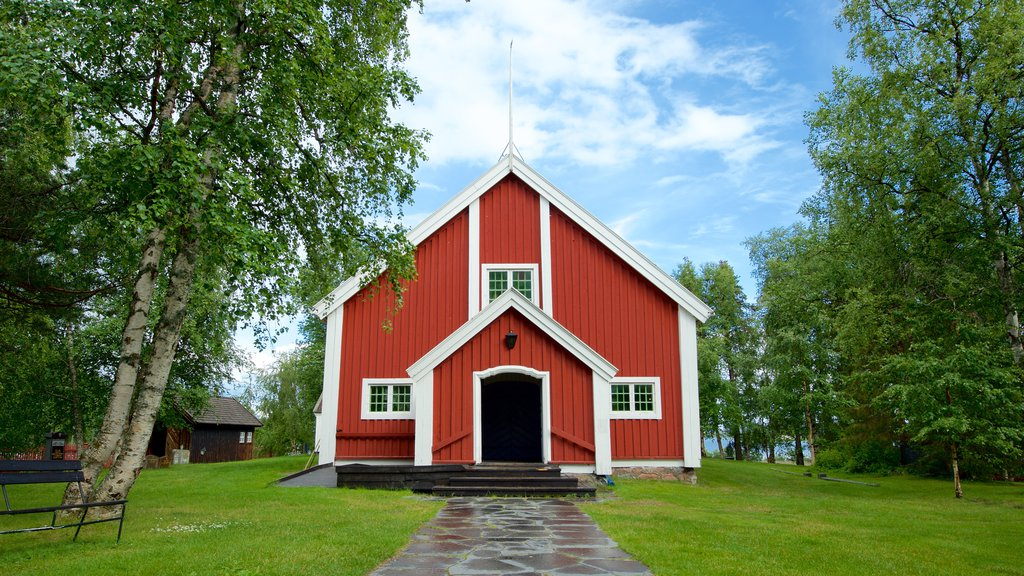 Kiruna showing religious elements, heritage architecture and a church or cathedral