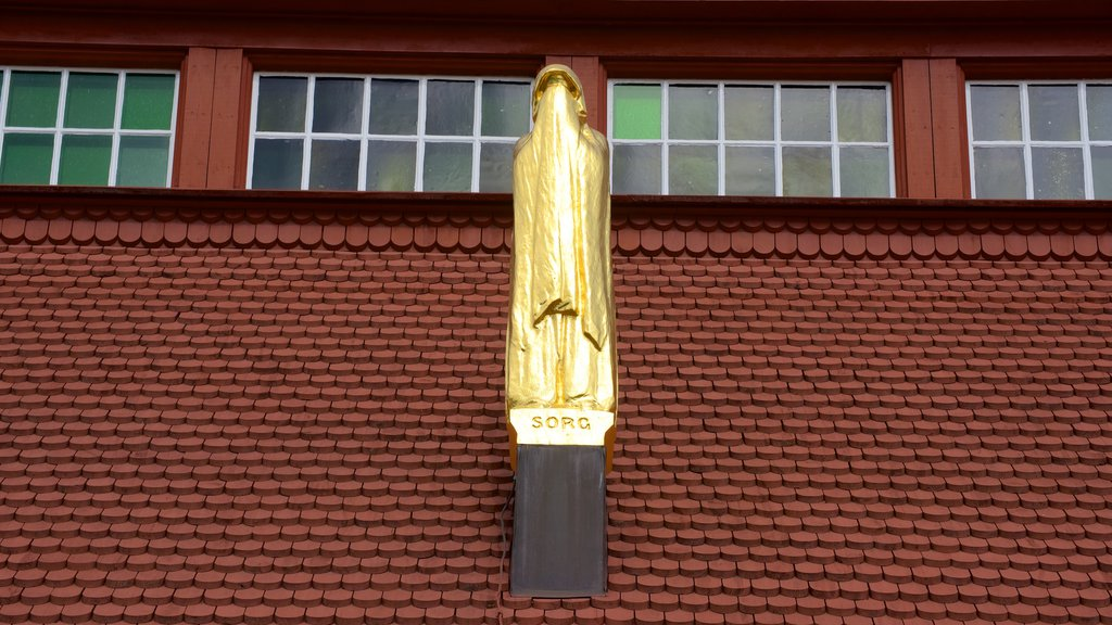 Kiruna Kyrka featuring a statue or sculpture