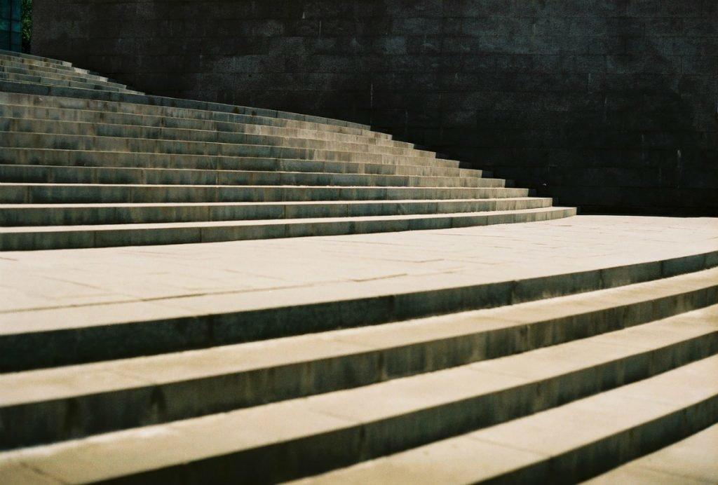 Blind reisen | Treppenstufen