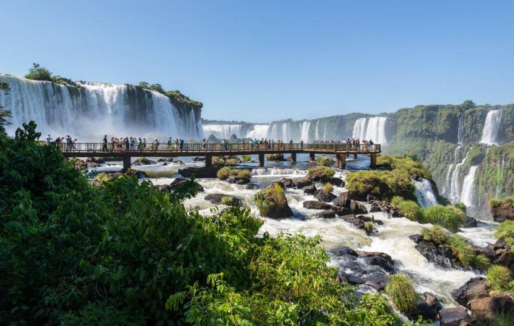 Freundschaftsbrücke über den Iguazú-Wasserfällen