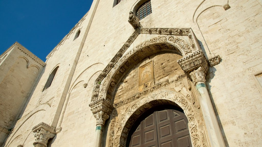 Basilica of San Nicola which includes heritage architecture, religious aspects and a church or cathedral