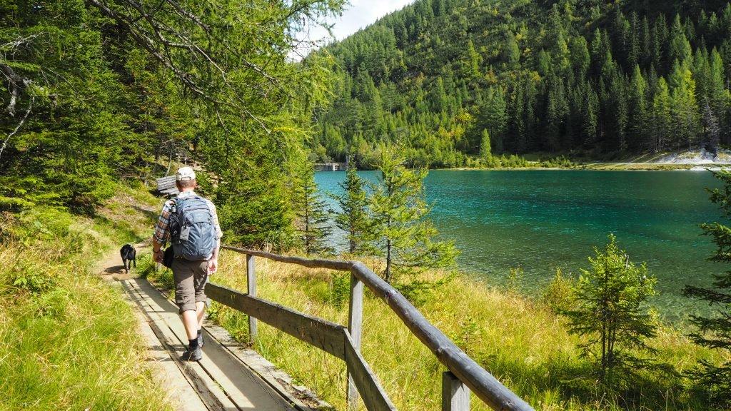 Der schöne Themenweg rund um den Schlierersee.