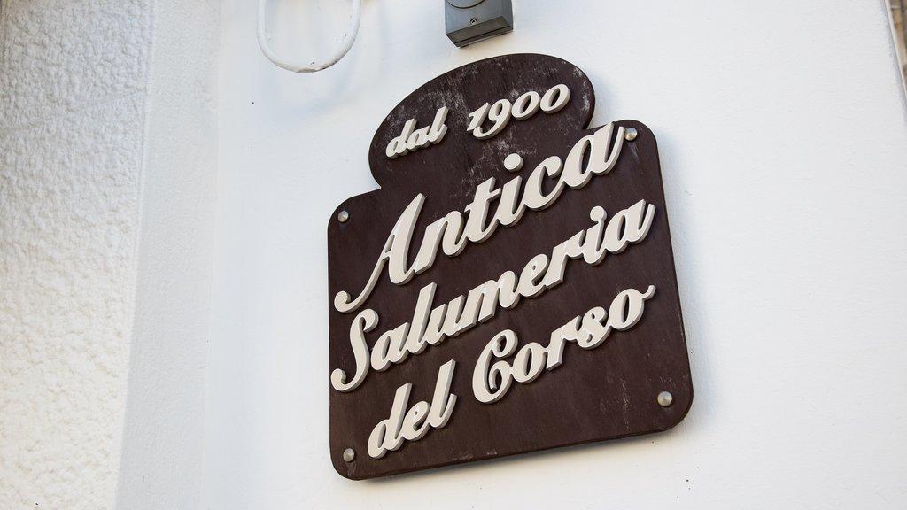 Alberobello featuring signage