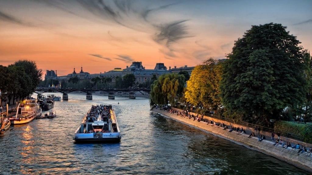Bootsfahrt auf der Seine in Paris