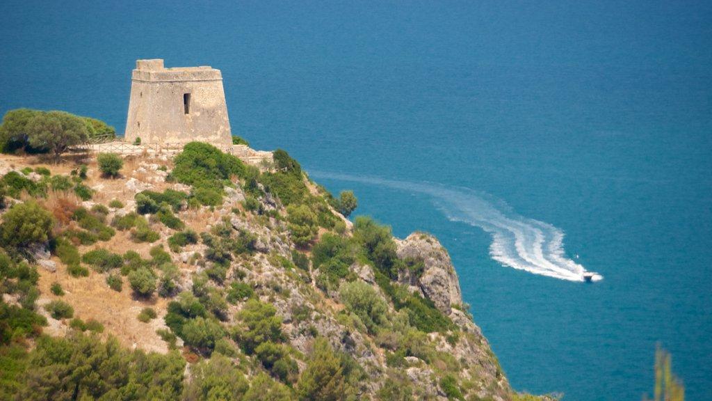Península Gargano mostrando vistas generales de la costa