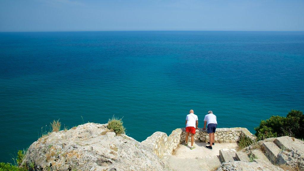 Península Gargano mostrando vistas y vistas generales de la costa