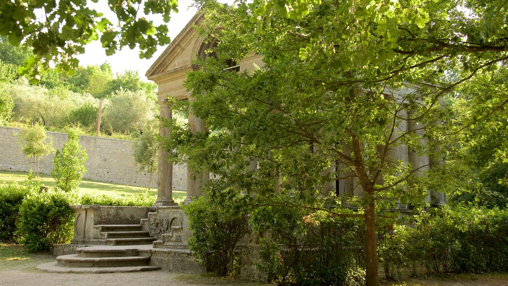 Parco dei Mostri que incluye un parque y patrimonio de arquitectura