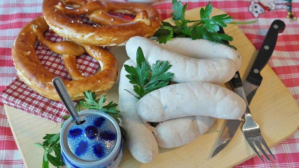 Weißwurst auf dem Oktoberfest in München