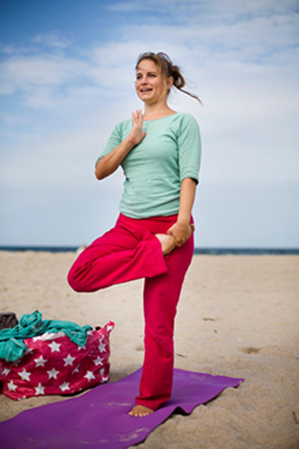 Der Strand ist ideal zum Yoga-Training © Stefanie Preuin
