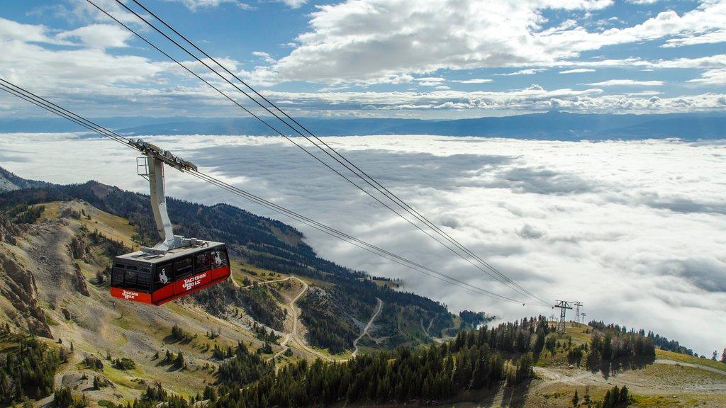 Jackson Hole Mountain Resort featuring a gondola