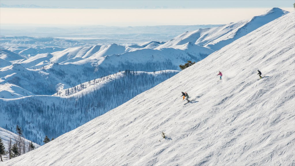 Sun Valley Ski Resort featuring mountains, snow and snow skiing