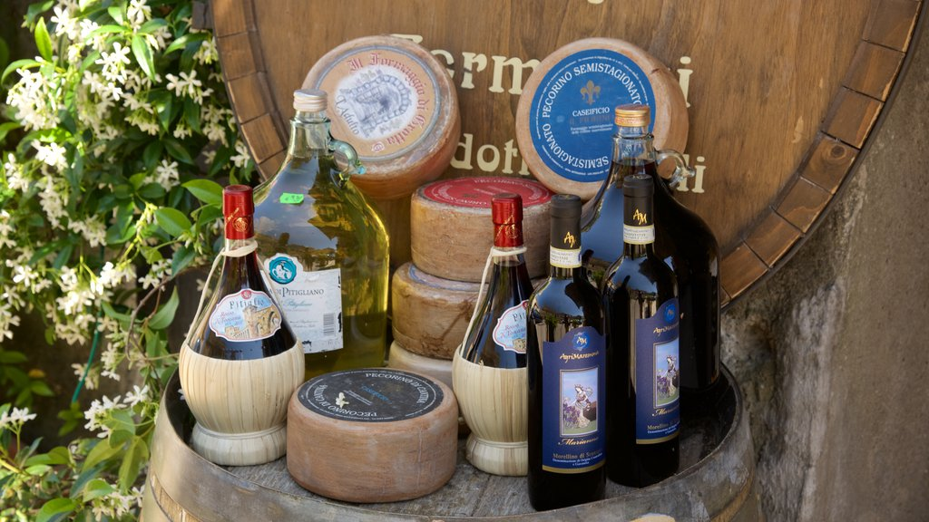 Pitigliano featuring food and drinks or beverages