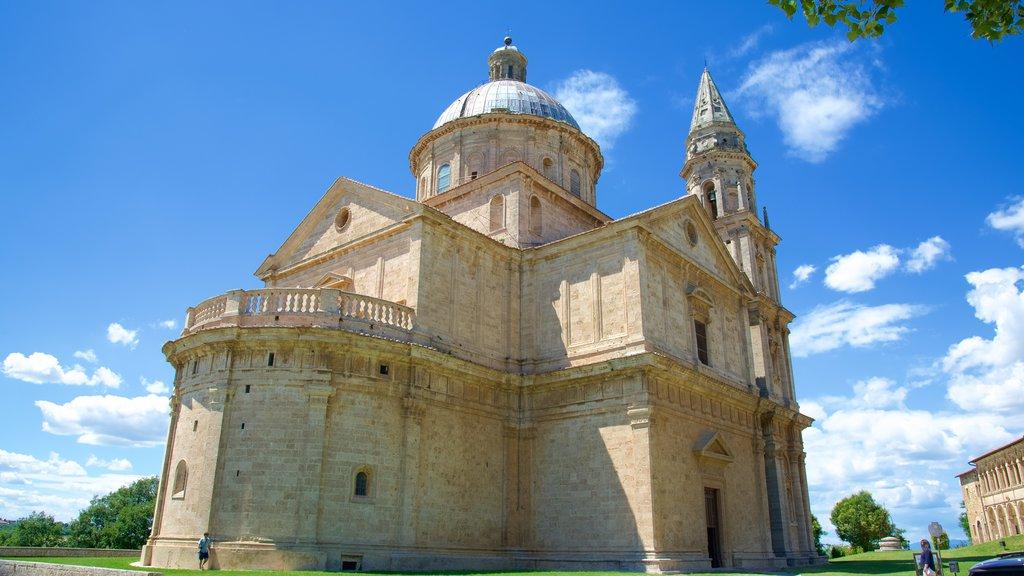Montepulciano featuring heritage architecture