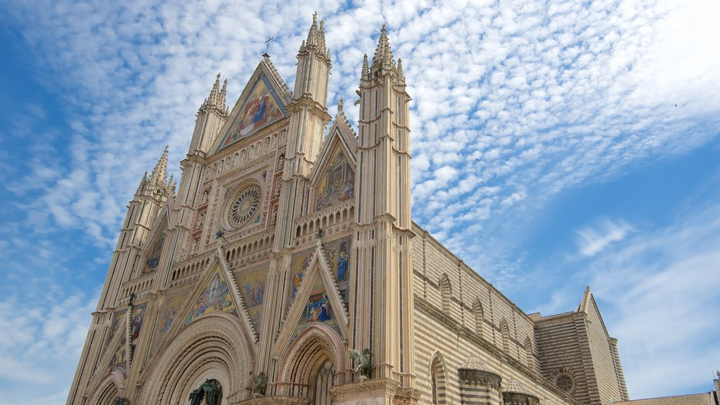Duomo di Orvieto featuring a church or cathedral, heritage architecture and religious aspects