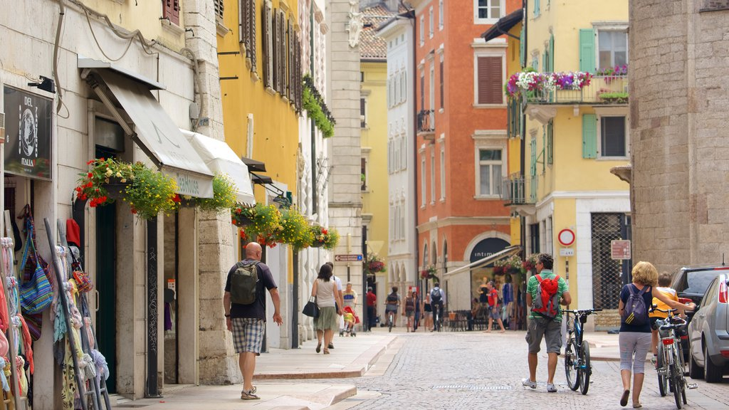 Trento which includes a city and street scenes