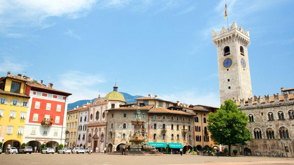 Trento showing a square or plaza, heritage architecture and a city