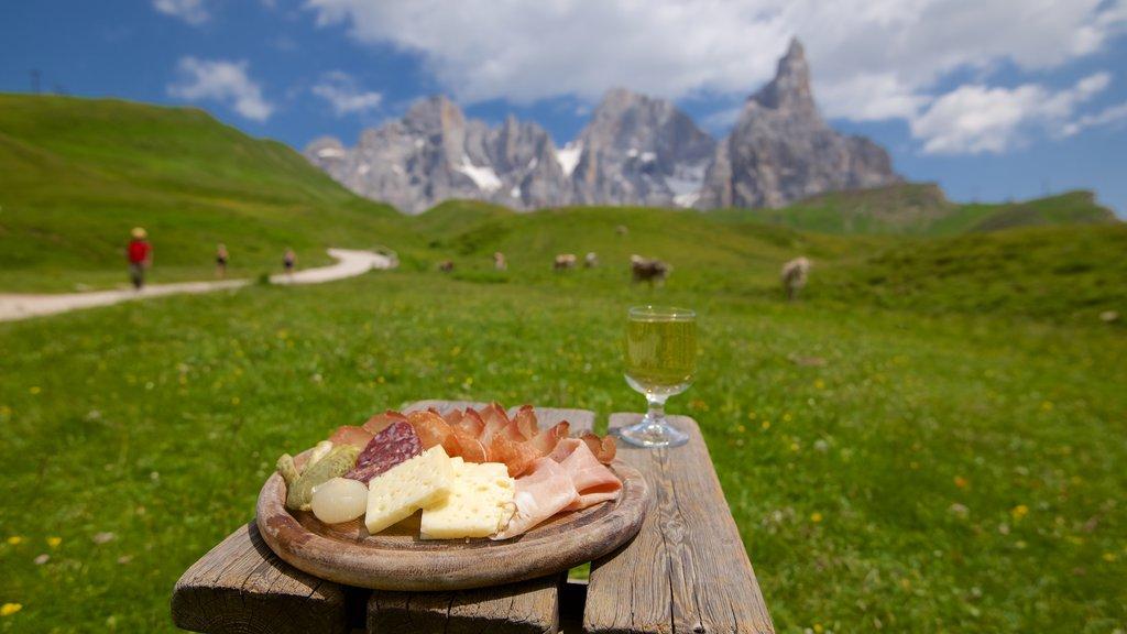 Passo Rolle mostrando refrescos o bebidas y comida