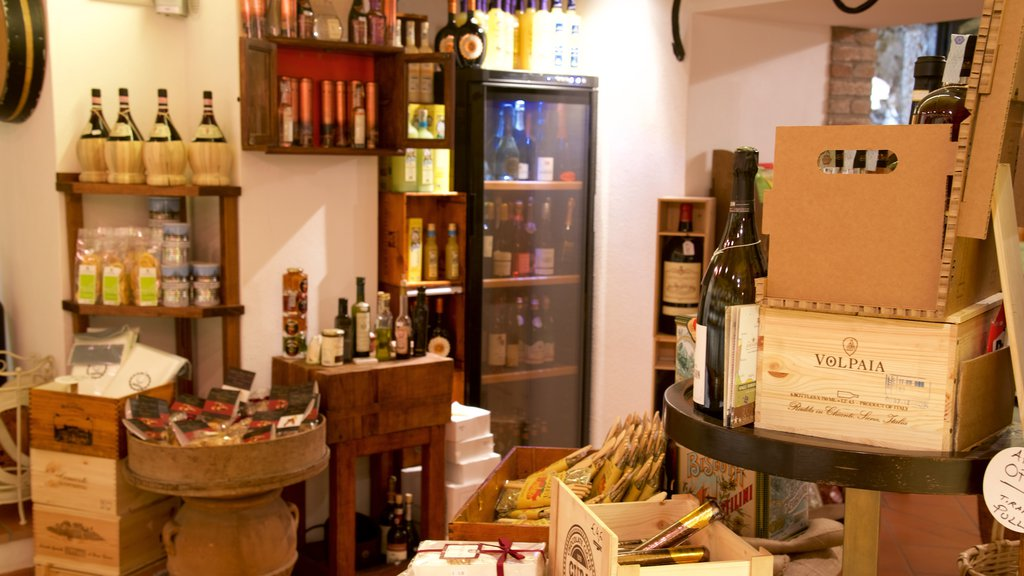 Radda in Chianti which includes drinks or beverages and interior views