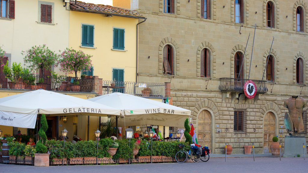 Greve in Chianti showing cafe lifestyle, a small town or village and signage
