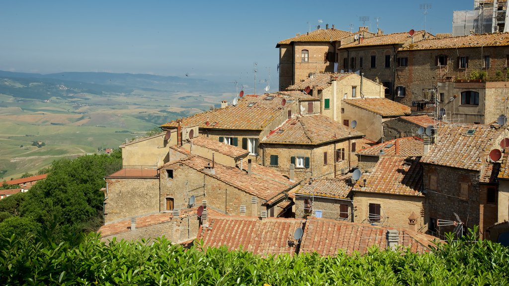 Volterra featuring a small town or village