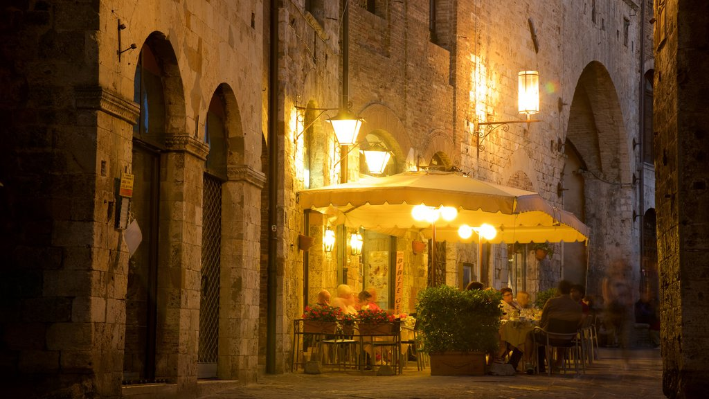 San Gimignano which includes cafe scenes, street scenes and dining out