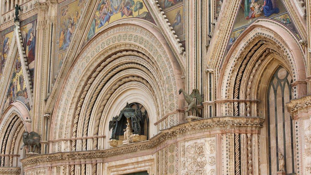 Duomo di Orvieto featuring heritage architecture