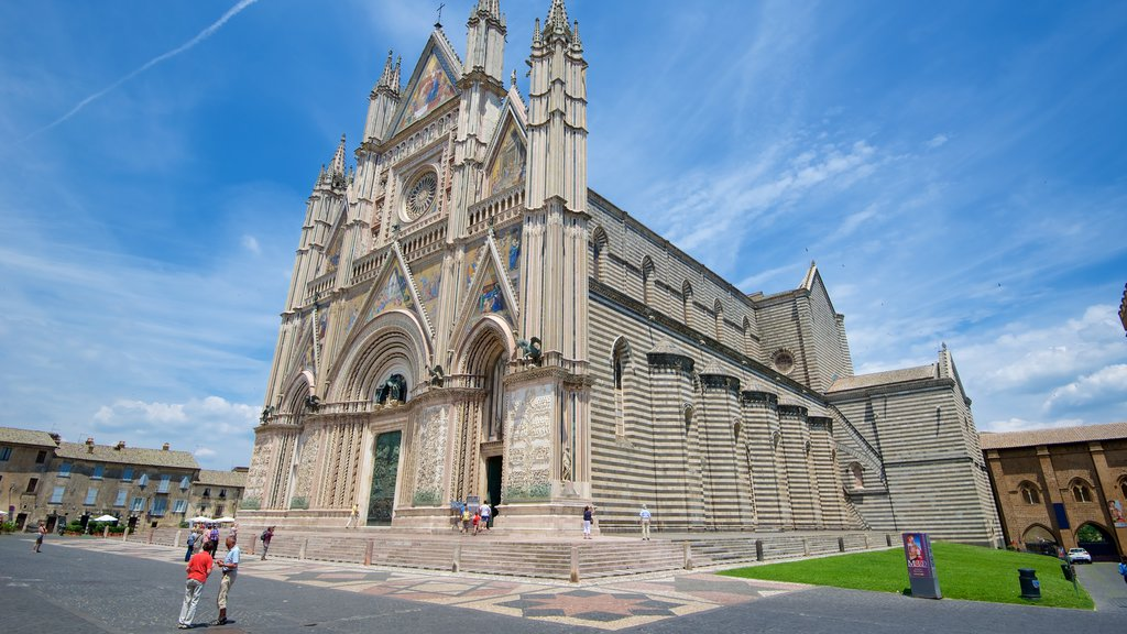 Duomo di Orvieto featuring heritage architecture, a church or cathedral and religious aspects