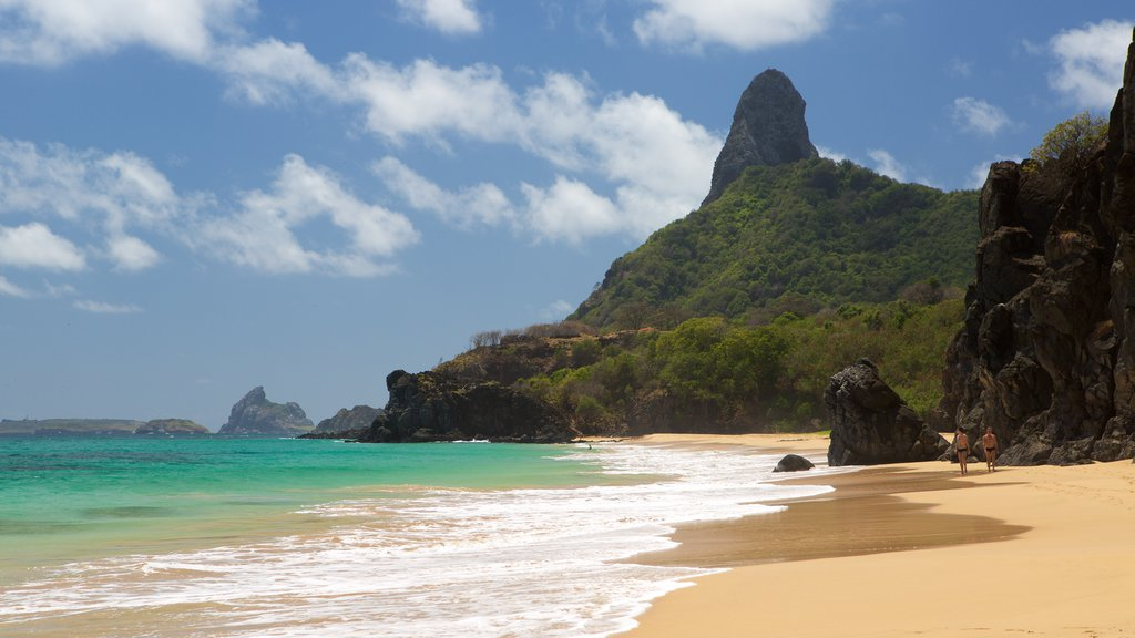 Praia Cacimba do Padre caracterizando montanhas, litoral rochoso e paisagens litorâneas