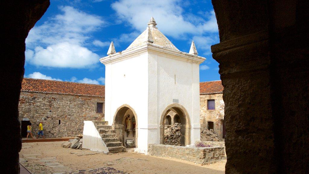 Forte dos Três Reis caracterizando uma ruína e elementos de patrimônio