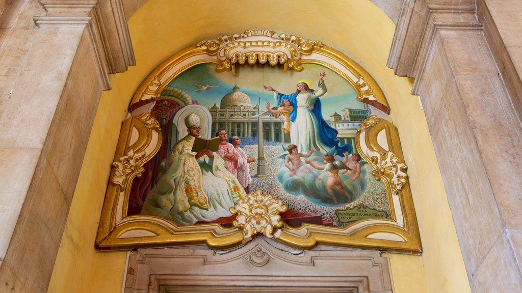 Basílica de Nossa Senhora de Conceição da Praia caracterizando vistas internas, aspectos religiosos e uma igreja ou catedral
