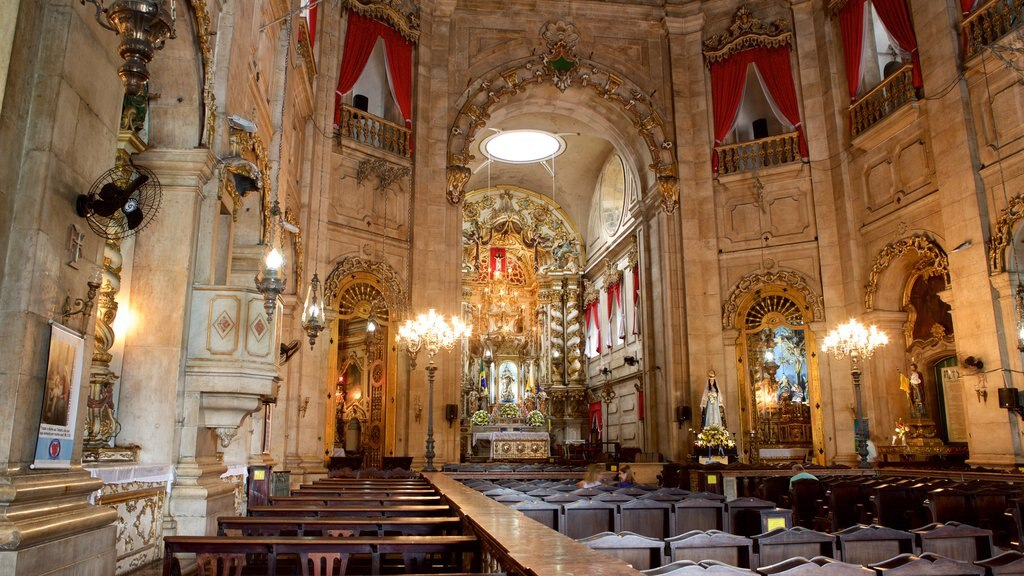 Basílica de Nossa Senhora de Conceição da Praia mostrando vistas internas, uma igreja ou catedral e aspectos religiosos