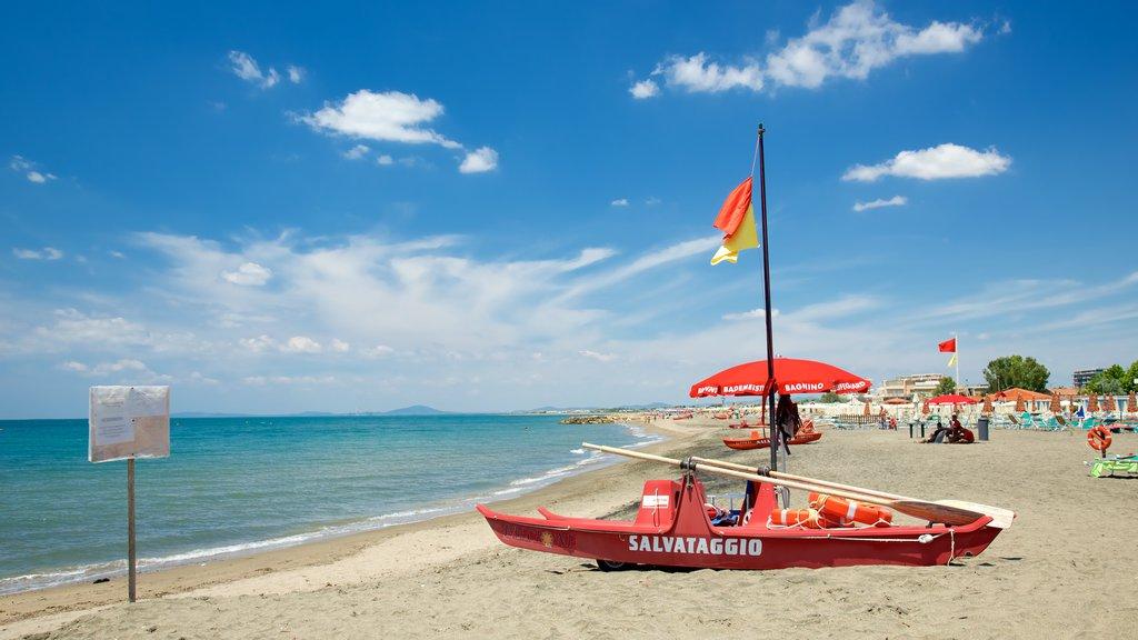 Tarquinia showing a beach