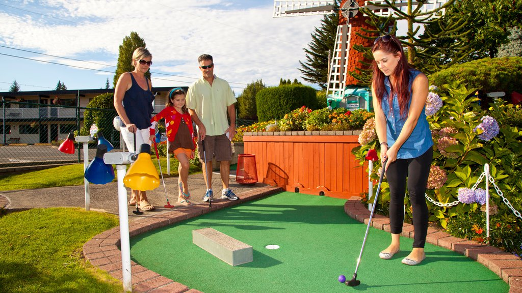 Parksville featuring rides and golf as well as a family