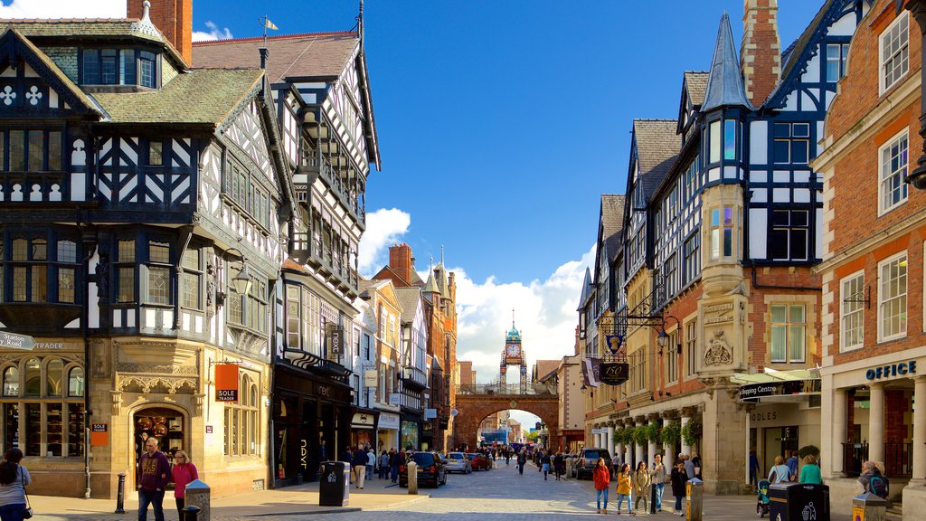 Chester showing street scenes, heritage elements and a city