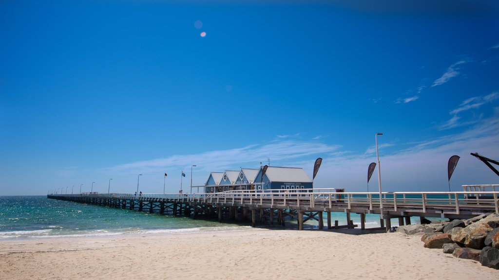 Busselton Jetty which includes a beach