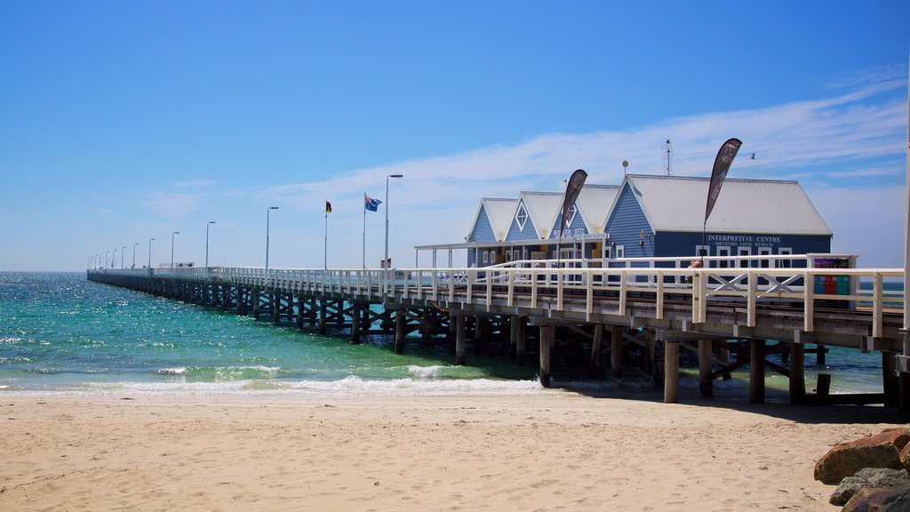 Busselton Jetty showing a beach