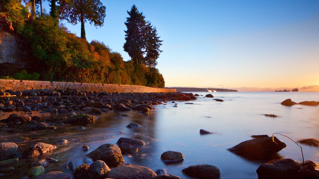 Stanley Park which includes rugged coastline