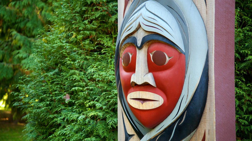Stanley Park which includes indigenous culture, outdoor art and a park