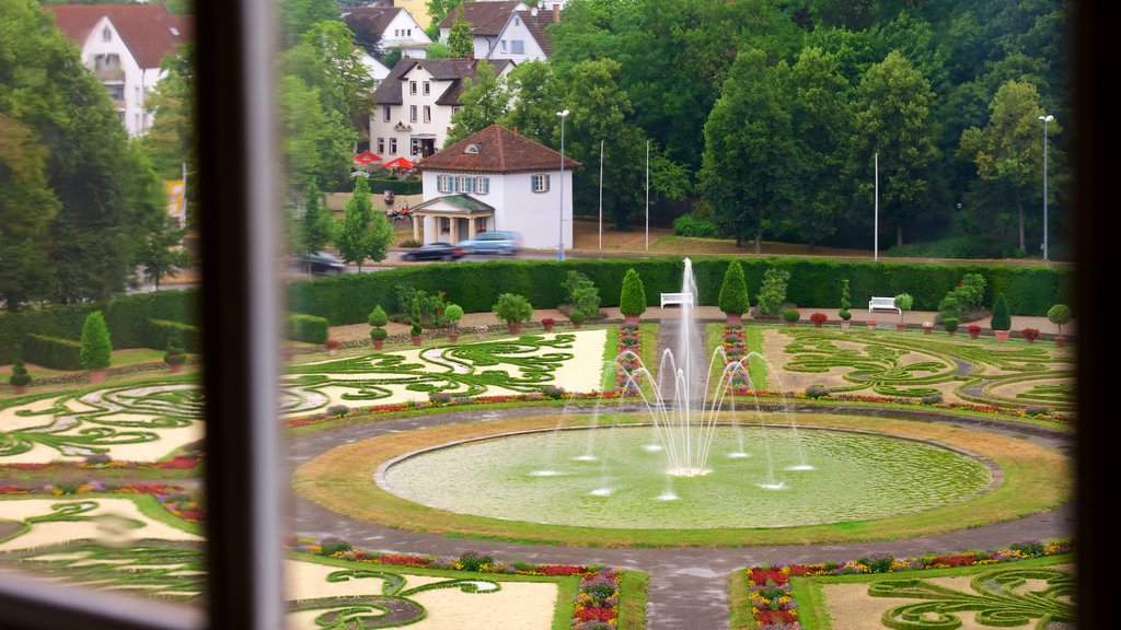 Ludwigsburg Palace showing a park and a fountain