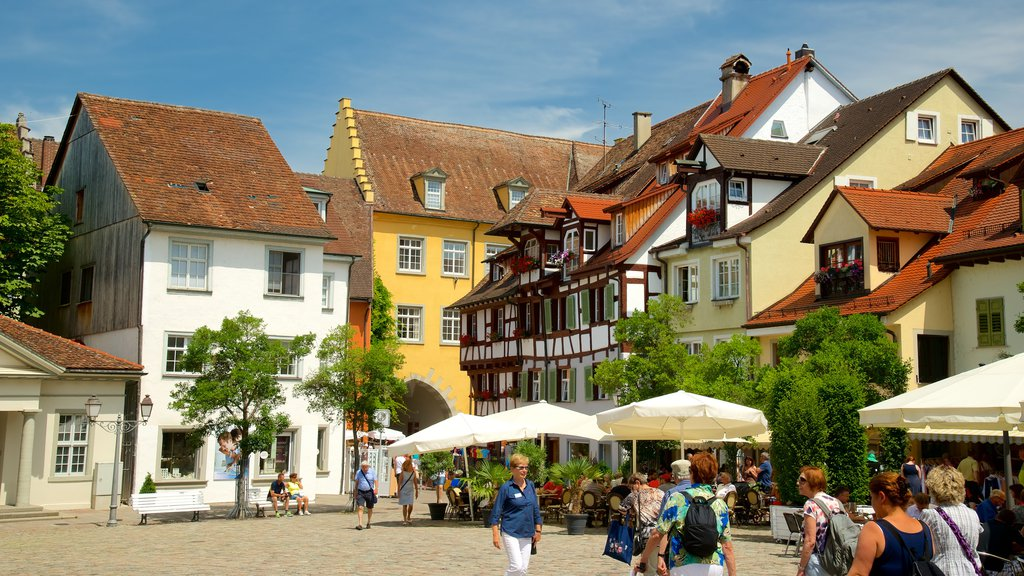 Meersburg which includes street scenes and outdoor eating