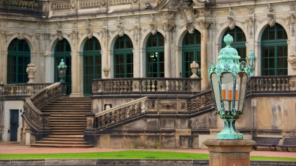Zwinger Palace which includes chateau or palace