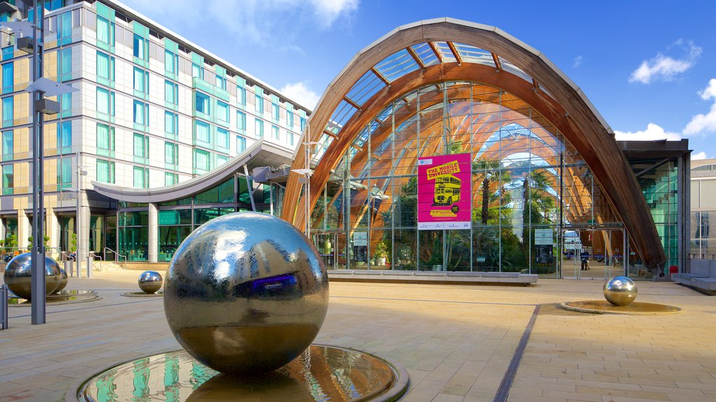 Sheffield which includes outdoor art and modern architecture