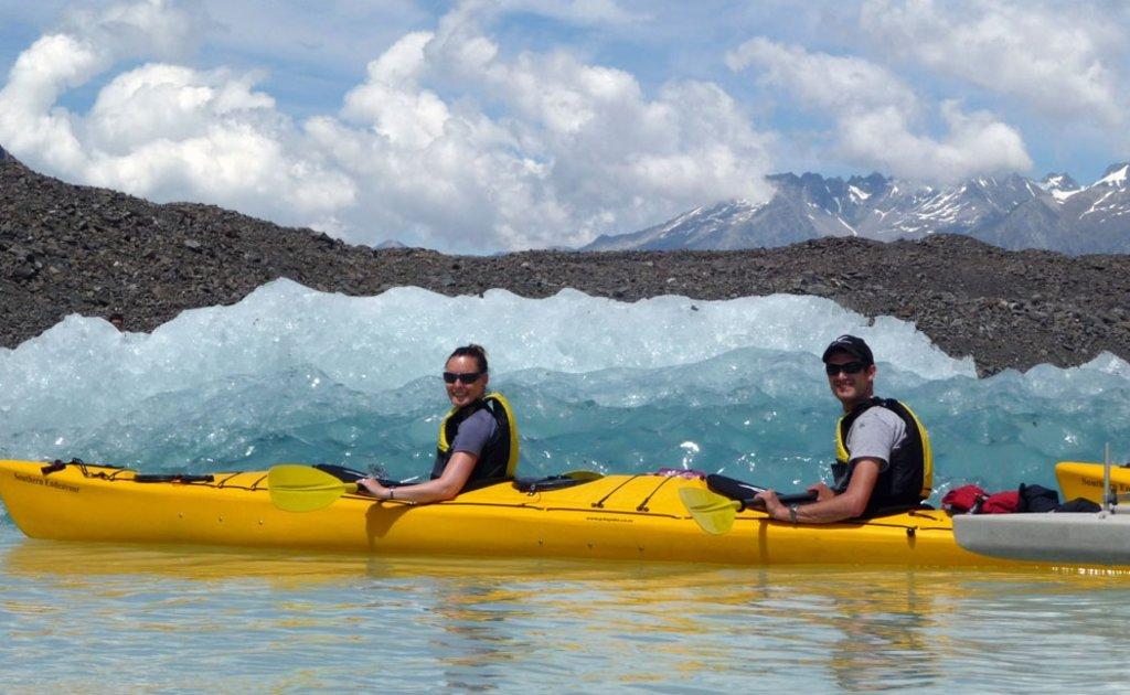 Kajakken bij de Tasman Gletsjer, Nieuw-Zeeland