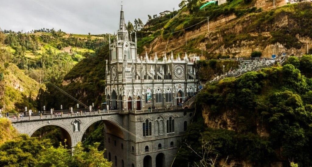 Kathedraal Santuario Las Lajas bij Ipiales in Colombia