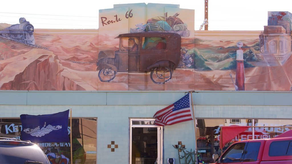 Kingman which includes outdoor art