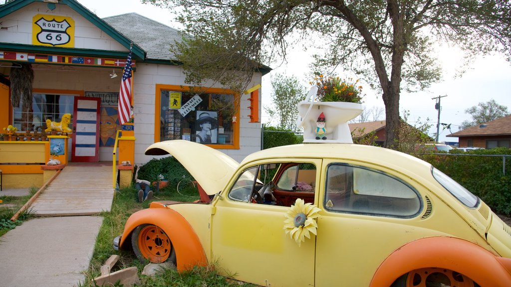 Seligman featuring outdoor art, street scenes and a house