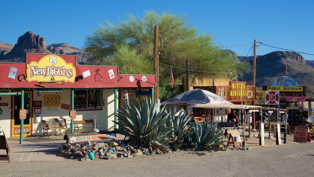 Oatman which includes street scenes