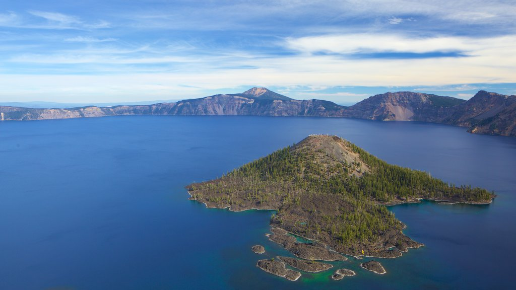 Crater Lake National Park featuring a lake or waterhole and mountains