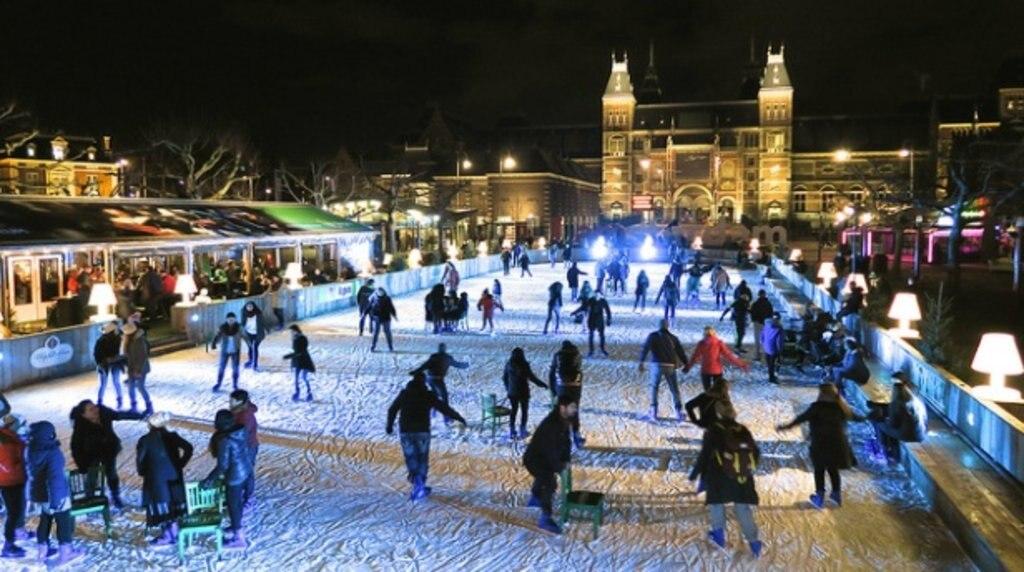 amsterdam_winter_museumplein.jpg