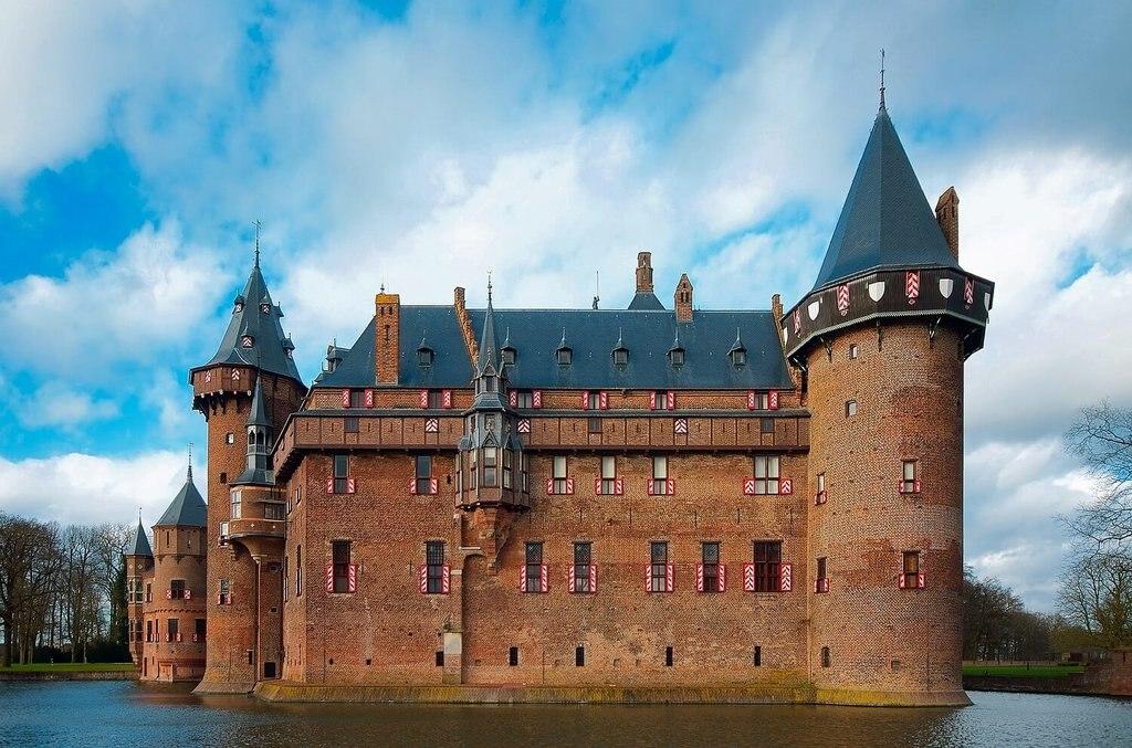 Utrecht De Haar Castle_Pixabay.jpg